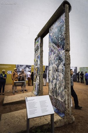 Mauermuseum - Museum Haus am Checkpoint Charlie: The Berlin Wall