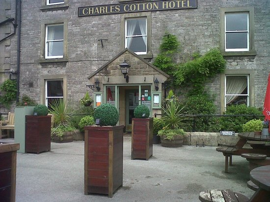 Charles Cotton Hotel : Hotel frontage