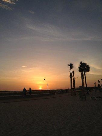 Bilmar Beach Resort: Sunset outside our room at the Bilmar.