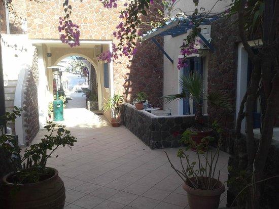 Arion Bay Hotel: die ruhigeren Zimmer  Richtung Strand