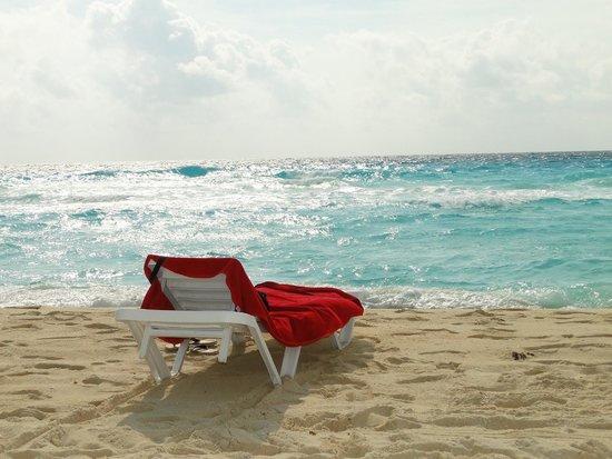 Grand Oasis Cancun : buena playa con harto oleaje