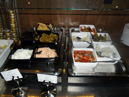 Hotel Mercure Wien Westbahnhof: Auswahl beim Frühstücksbuffet (reichlich und sehr gut!)