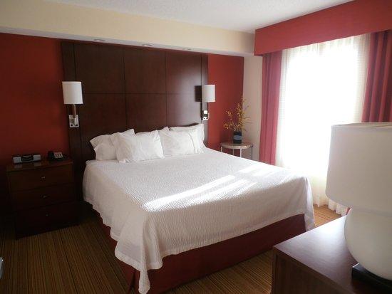 Residence Inn Waynesboro: Bedroom at Waynesboro Residence Inn
