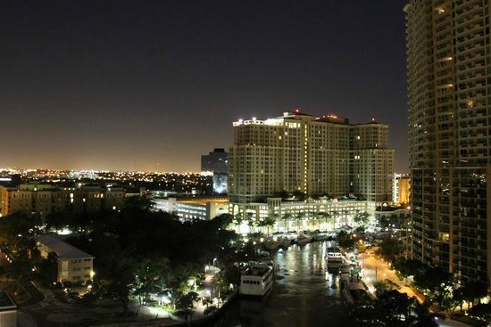 Riverside Hotel : The River
