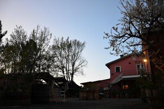 Agriturismo Colle al Sole: Agriturismo al tramonto