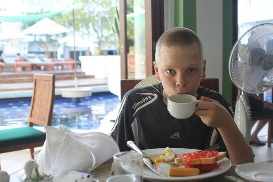 Andaman Seaview Hotel: our wonderful Breakfast