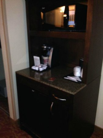 Hilton Garden Inn Augusta : Mini fridge, microwave, Keurig
