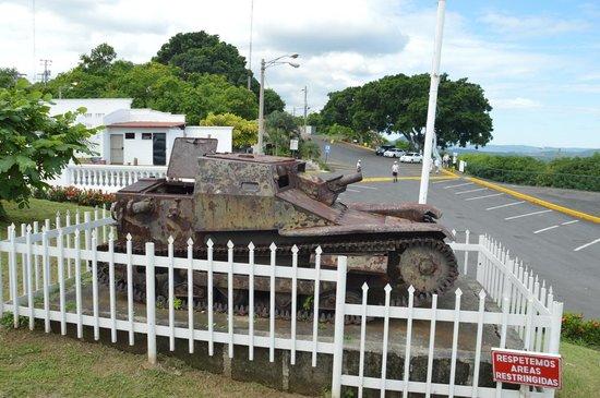 Loma de Tiscapa : Light Tank