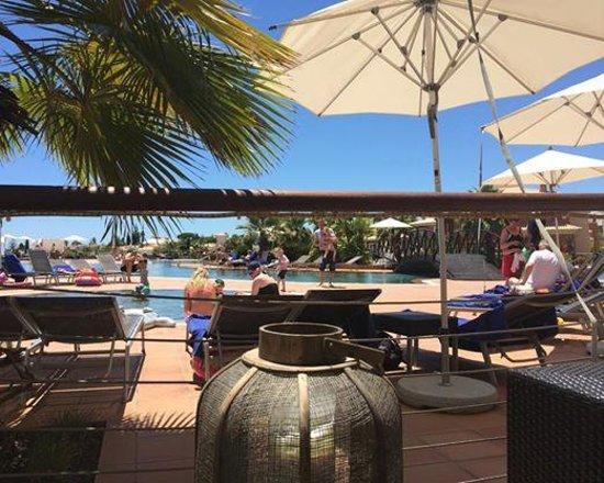 Monte Santo Resort: pool side