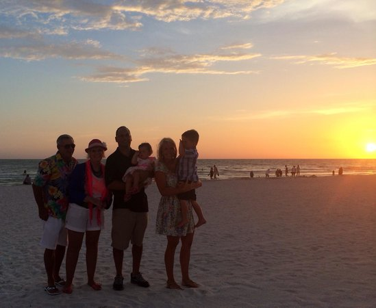TradeWinds Island Grand Resort: The sunsets on the beach at the Tradewinds are unforgettable!