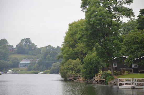 Killyhevlin Lakeside Hotel & Lodges: Chalets in left of photograph