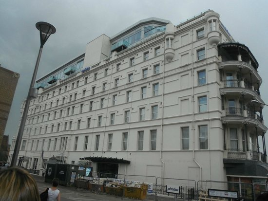 Park Inn by Radisson Palace Southend-on-Sea: View from outside the Hotel