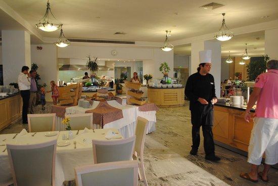 Louis Creta Princess Beach Hotel: Äta middag