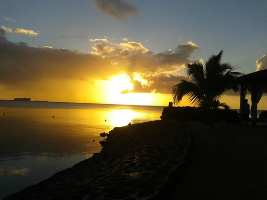Maritim Resort & Spa Mauritius: sunset at the beach