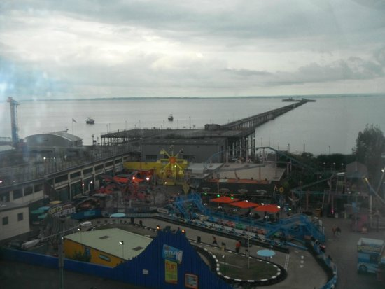 Park Inn by Radisson Palace Southend-on-Sea: The Pier from just outside