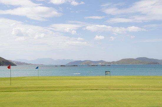 Diamond Bay Resort & Spa : driving range