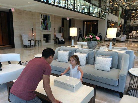 The Langham, Chicago: Beautiful Lobby