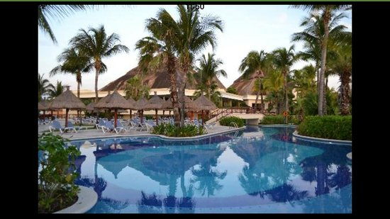 Luxury Bahia Principe Akumal Don Pablo Collection : Pool view