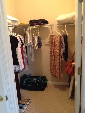Coral Cay Resort: Closet suite segundo andar - SANDY