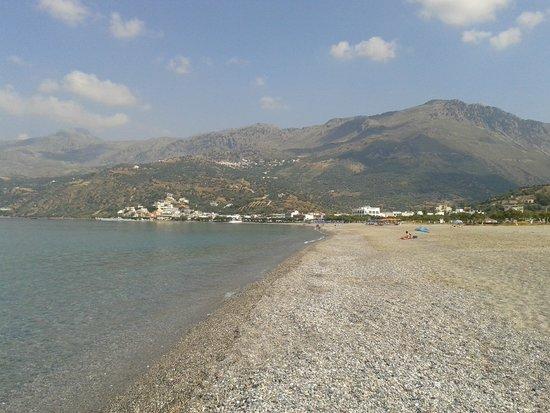 Plakias Beach: La spiaggia di Plakias (sullo sfondo)