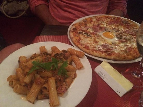 La Rughetta: Pasta and pizza