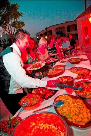 Royal Oasis Resort: Restaurant