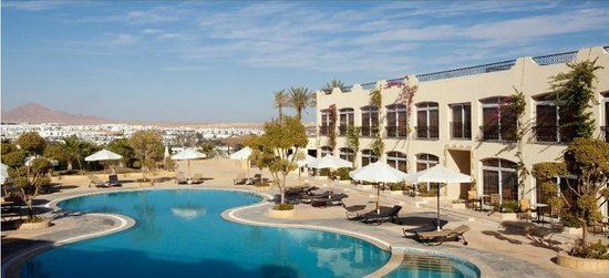 Royal Oasis Resort: Pool