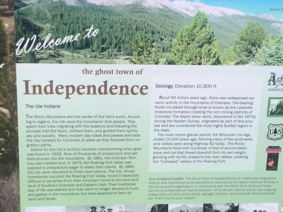 Independence Pass: info sign along the way