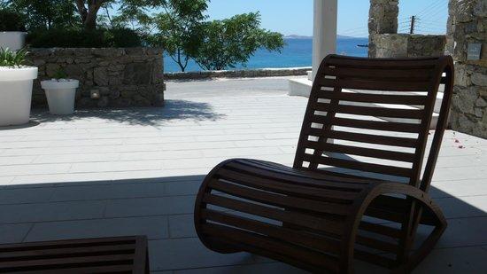 Grace Mykonos Hotel: Outside reception area