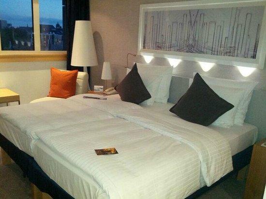 Radisson Blu Hotel, Hamburg : standard room