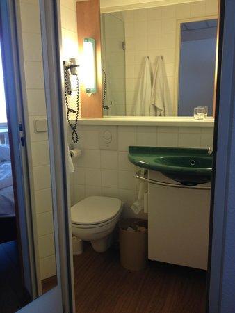 Ibis Bremen City: Banheiro