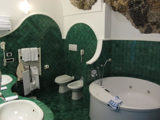 Santa Caterina Hotel: bathroom