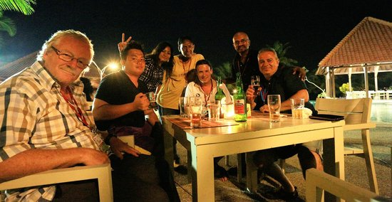 Laprima Hotel : Myself with some of other delegates at poolside dinner.