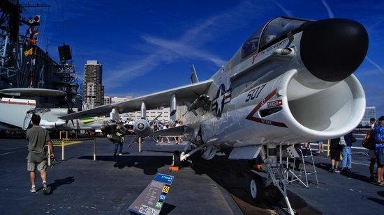 Musée de l'USS Midway : Corsair II on the flight deck