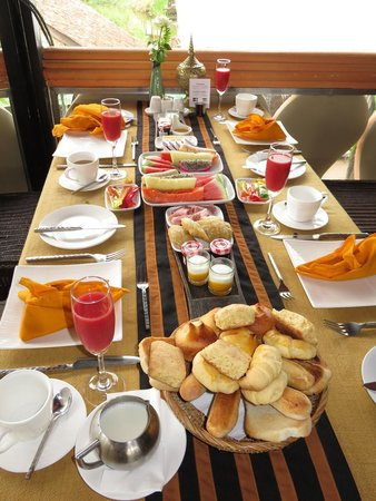 ViewPoint Lodge & Fine Cuisines: our breakfast setup
