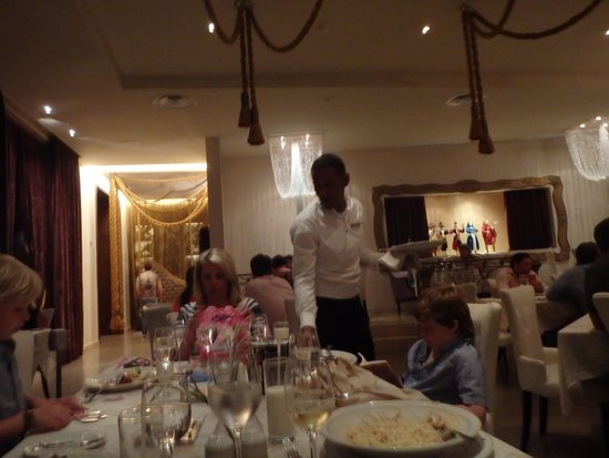 Barcelo Bavaro Palace: Family Dinner at La Comedie the French Restaurant.