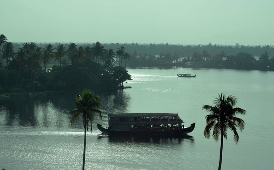 Ramada Alleppey : lake