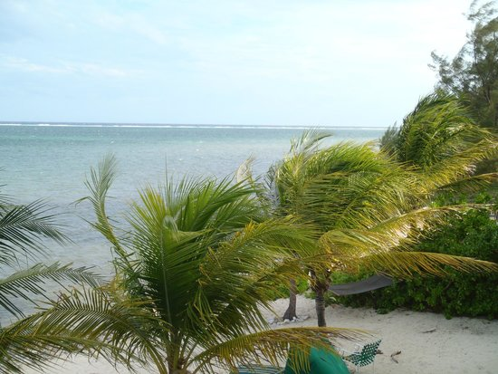 Compass Point Dive Resort: West across the bay