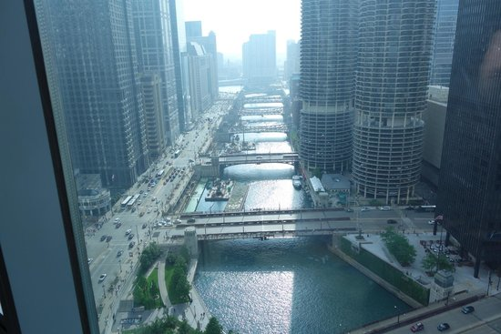 Wyndham Grand Chicago Riverfront : vista del fiume dalla ns camera