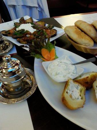 Mey Restaurant: Grilled Veg., artichoke hearts and liver