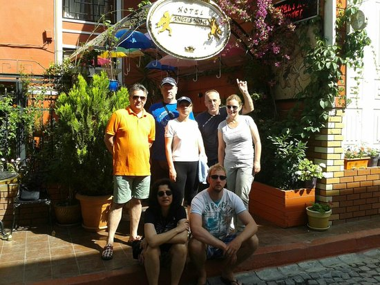 Angel's Home Hotel : In front of Angel`s Home Hotel