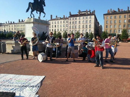 Place Bellecour: Elefanfarra