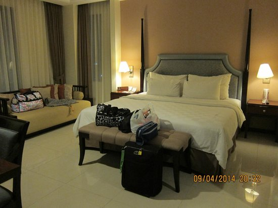 Asmila Boutique Hotel : room with queen bed