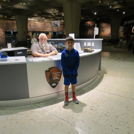 Gateway Arch : Ranger desk to answer questions, learn how to earn a Jr. Ranger badge