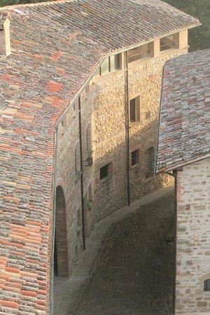 Castello di Petroia : Foto dalla camera