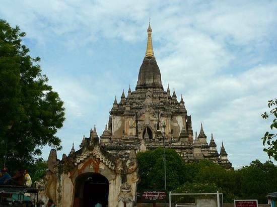 Gawdawpalin Temple: large !