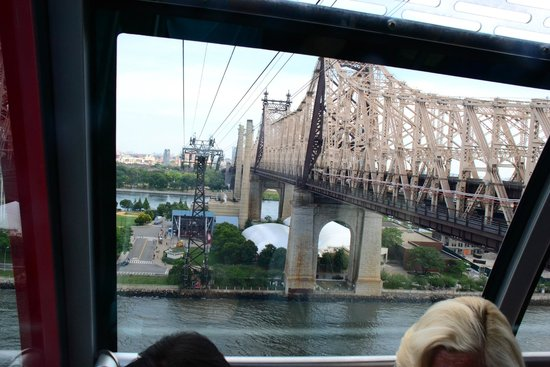 Roosevelt Island Aerial Tram: View of the island as you're leaving