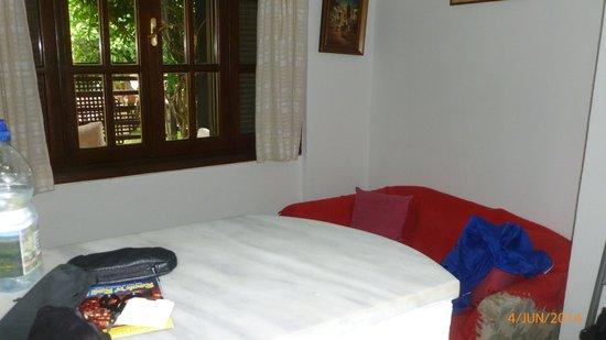 Oasis : Lounge Area