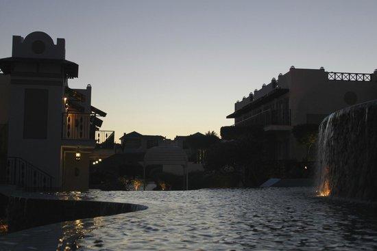 Concorde El Salam Front Hotel : территория отеля
