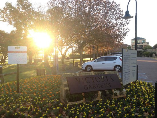 The Sebel East Perth: A walk from hotel in early morning